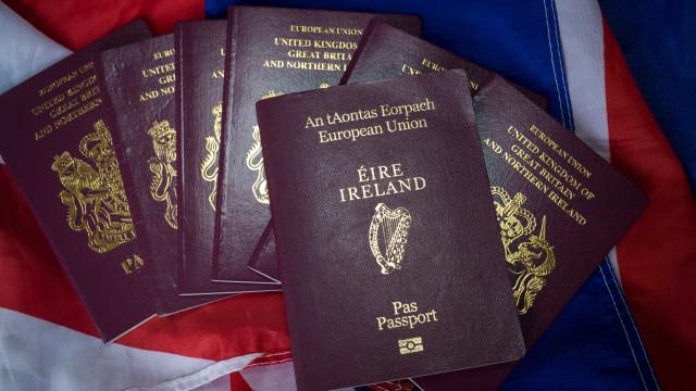 Brexit faz disparar número de passaportes irlandeses emitidos