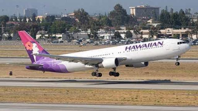 Avião aterra de emergência após explosão de spray e foto suspeita