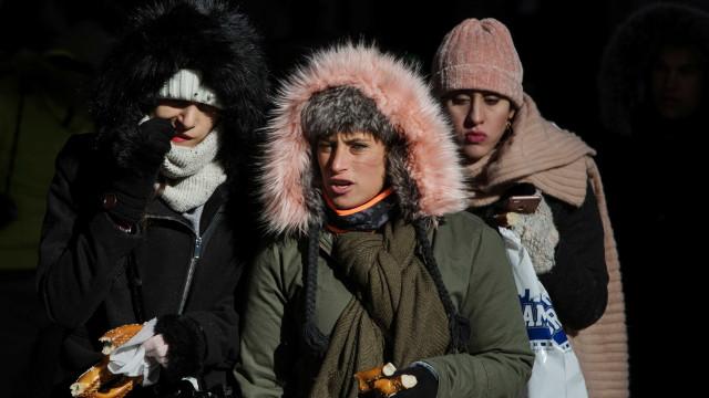 Temperaturas perigosamente baixas causam estragos nos EUA