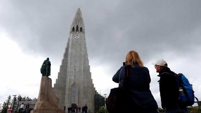 Islândia é o primeiro país a proibir desigualdade salarial entre sexos