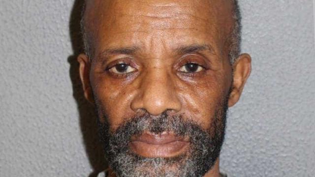 Depois de assassinar duas ex-mulheres é libertado e mata uma terceira