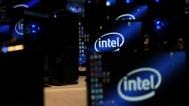 Intel afirma que vulnerabilidade está em todos os chips. Rival nega