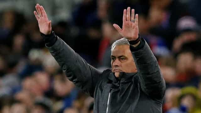 """Mourinho diz que o """"Real Madrid está em chamas"""" e descarta CR7"""