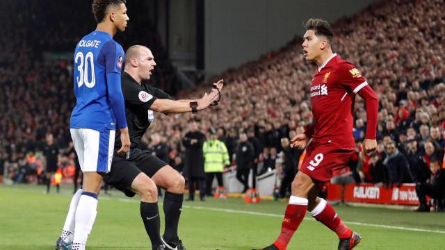 Firmino quase perdeu a cabeça no Liverpool-Everton