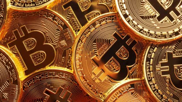 Autoproclamado criador da Bitcoin processado em quase seis mil milhões