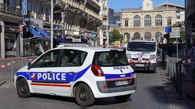 Jovem esfaqueou quatro pessoas na cidade francesa de Périgueaux