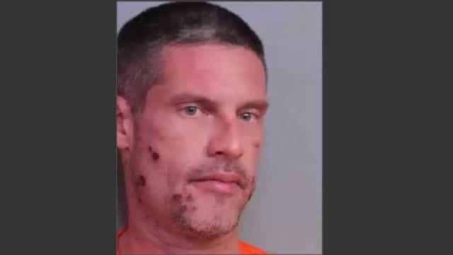 Condutor liga à polícia para o ir buscar. Estava a guiar bêbado e drogado