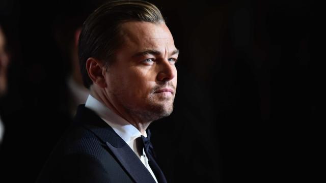 Namoro de DiCaprio e modelo de 20 anos cada vez mais sério