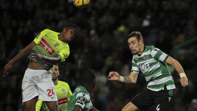 Sebastian Coates esclarece cenário de rescisão com o Sporting
