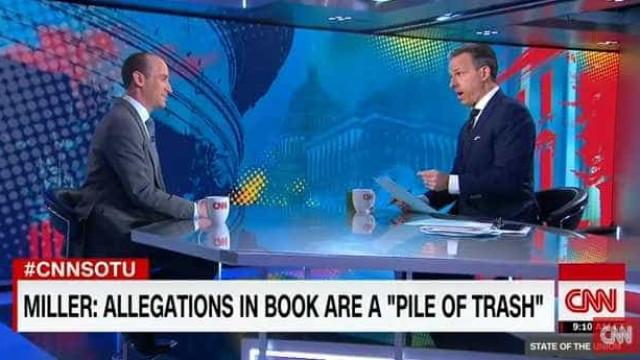 """Pivot despacha assessor de Trump: """"Já desperdicei tempo a mais"""""""