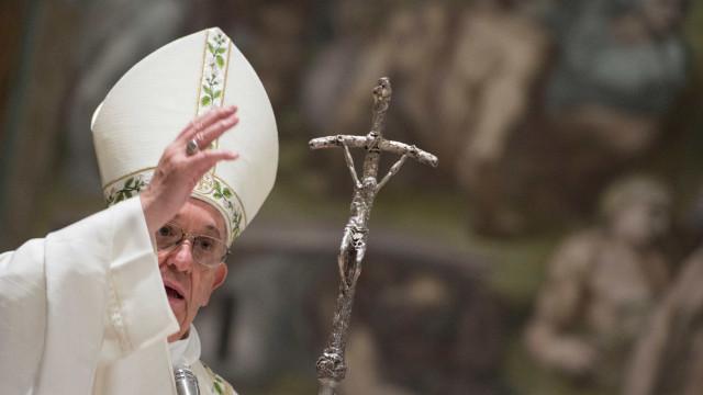 """Papa defende bispo chileno Juan Barros e diz que acusações """"são calúnias"""""""