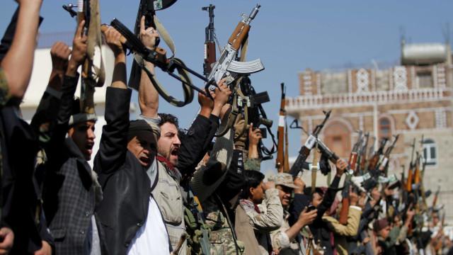 """Iémen: Rebeldes pedem """"resistência"""" após falhanço de negociações de paz"""