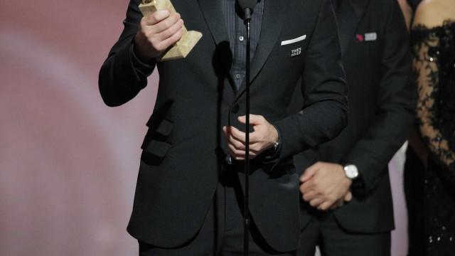Após receber globo, Ewan McGregor agradece à ex-mulher e à namorada