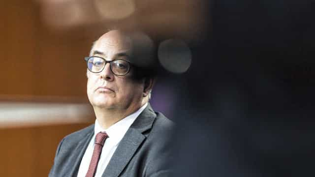 Ministro Azeredo Lopes demite-se