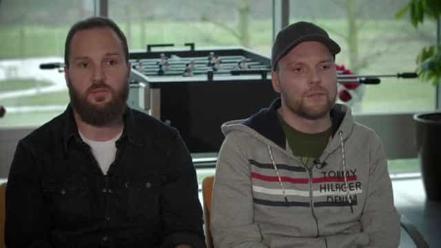 Gémeo salvou vida do irmão ao doar-lhe metade da sua pele após acidente