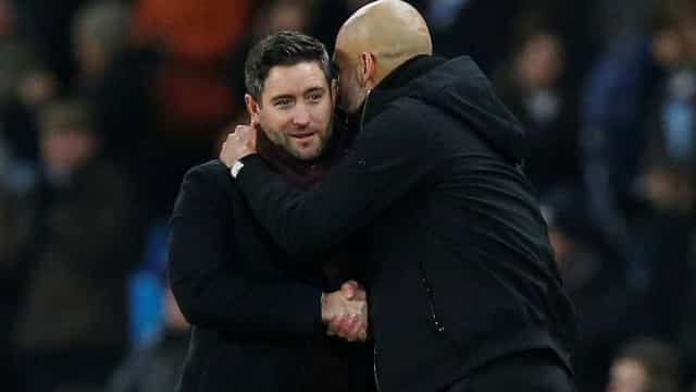O que disse Guardiola ao treinador do Bristol City? O próprio revelou