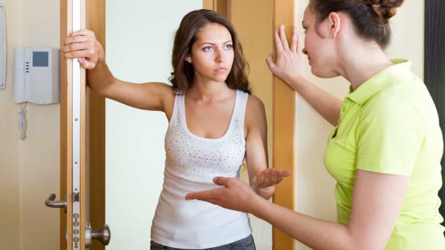 Discutir com vizinhos pode aumentar risco de doenças cardíacas