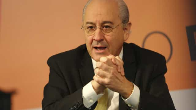 Na pele de António Costa, Rio demitia ministro da Defesa