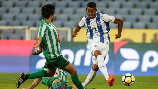 FC Porto rejeitou propostas por Galeno. Futuro passará pelo Dragão