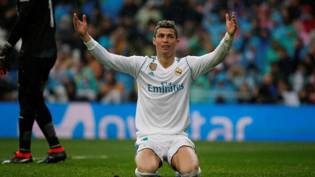 Ronaldo pode ficar em Madrid desde que... ganhe como Messi