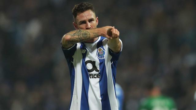 """Layún admite ter passado """"meses duros no FC Porto"""""""