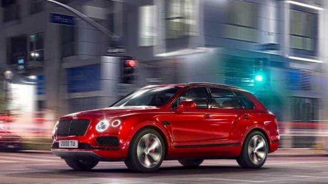 Novo Bentley Bentayga V8 procura revolucionar a gama SUV