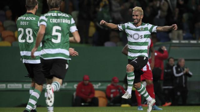 [1-0] Sporting - Rio Ave: Fábio Coentrão atira à trave