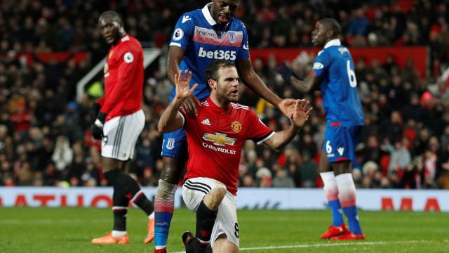 O gesto de Juan Mata que deixou o Stoke City rendido