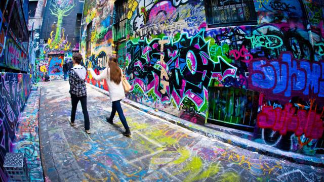 """Artista português Hazul quer """"fazer parte da arte urbana"""" de Paris"""