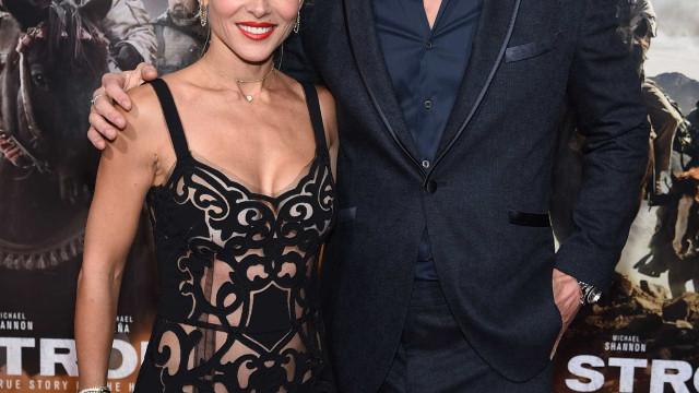 Chris Hemsworth e Elsa Pataky juntos na estreia de '12 Indomáveis'