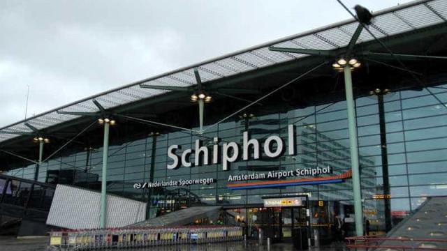 Aeroporto de Amesterdão cancela todos os voos devido a tempestade forte