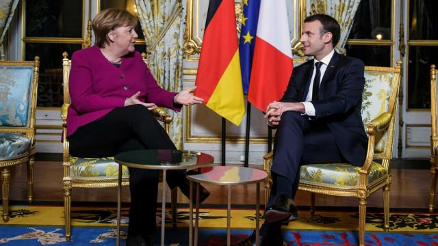 """Macron diz a Merkel que """"precisa"""" da Alemanha para reformar a Europa"""