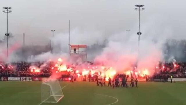 Adeptos do Ajax prepararam assim o dérbi com o Feyenoord