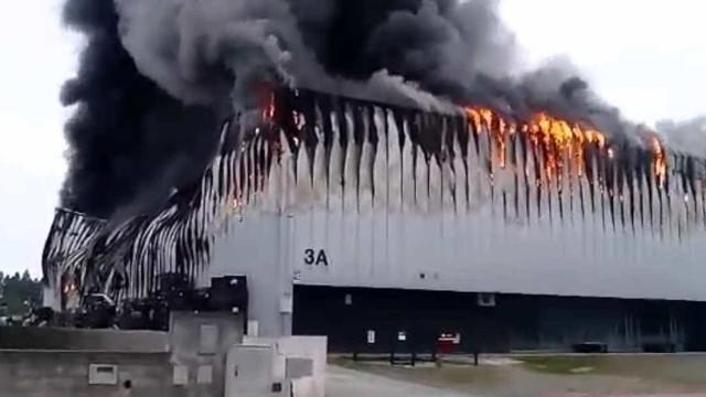 Fábrica de capacetes da Nexx em Amoreira da Gândara está a arder