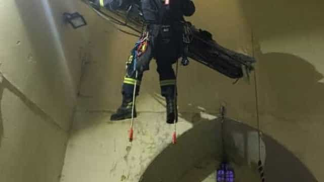 Jovem fica preso na corda de sino e teve de ser salvo pelos bombeiros