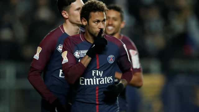 """Troca entre Cristiano Ronaldo e Neymar é """"impossível"""""""