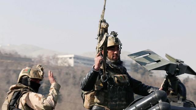 Um morto e seis feridos em ataque de bombista suicida em Cabul
