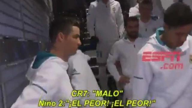 """Pequeno adepto elogia CR7: """"Para mim és o melhor do mundo e Messi..."""""""