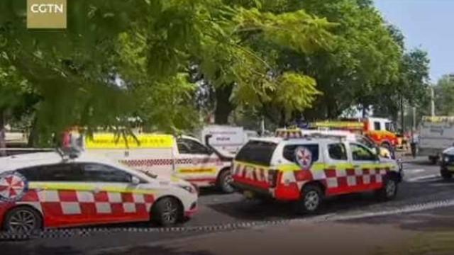 Comboio embate contra barreiras de segurança e faz 15 feridos
