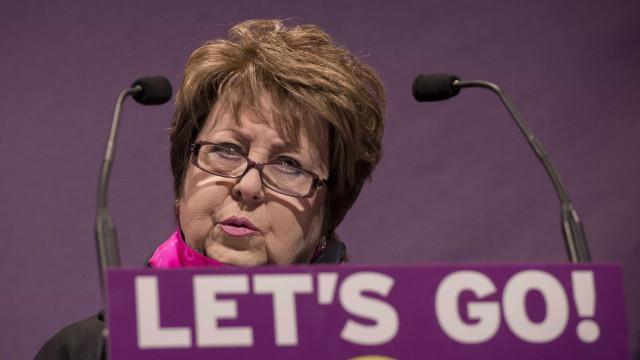 Margot Parker demite-se da direção do UKIP em confronto com o líder