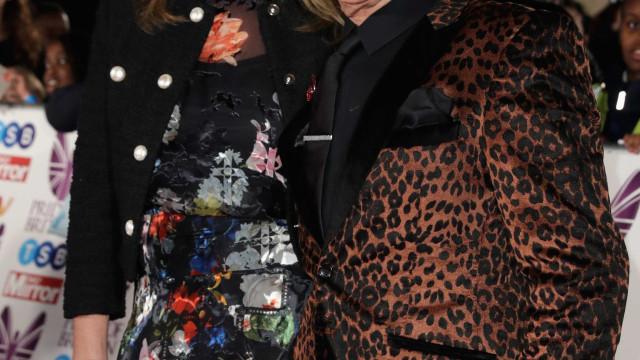 Mulher de Rod Stewart diagnosticada com dislexia
