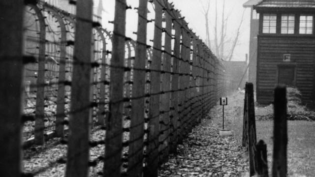 EUA deportam guarda de campo de concentração nazi para a Alemanha