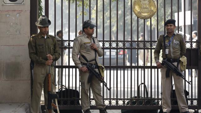 Menina violada durante sete meses por 18 homens na Índia