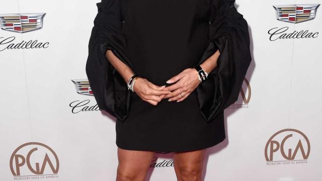 Eva Longoria volta a exibir barriga de grávida