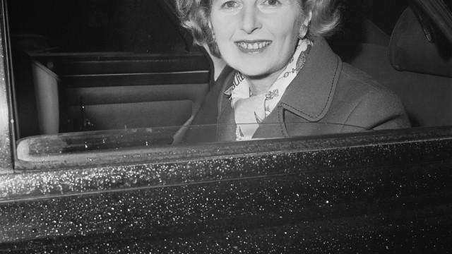 """Antigo diplomata diz que Thatcher queria uma África do Sul """"para brancos"""""""
