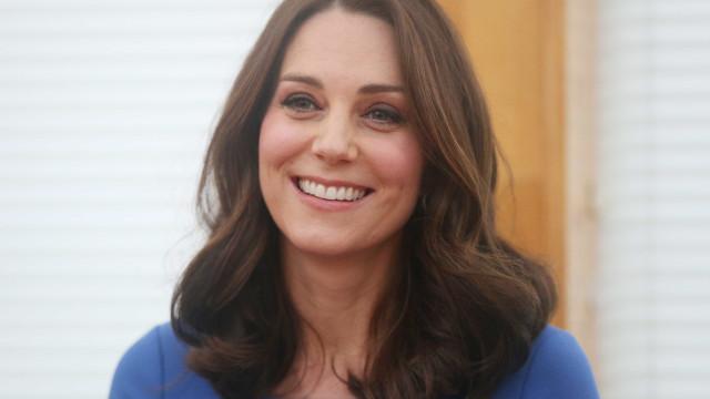 O vestido de Kate Middleton que custa 80 euros e que fez sucesso