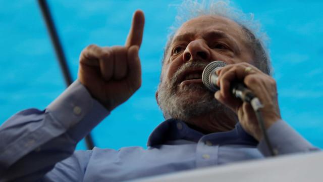 Lula da Silva com 'luz verde' para ser entrevistado na cadeia