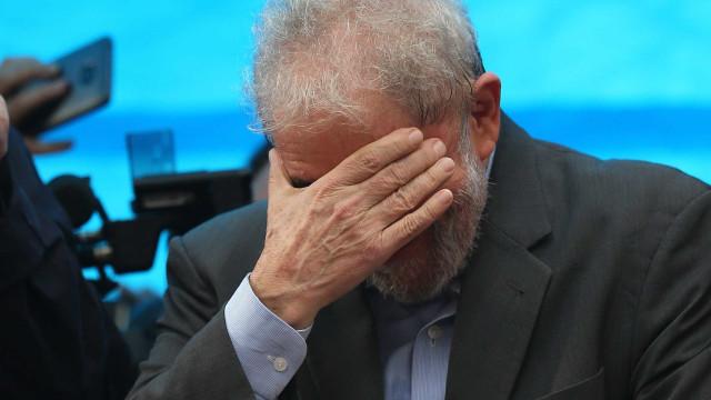 Lula condenado por unanimidade a 12 anos e um mês de prisão