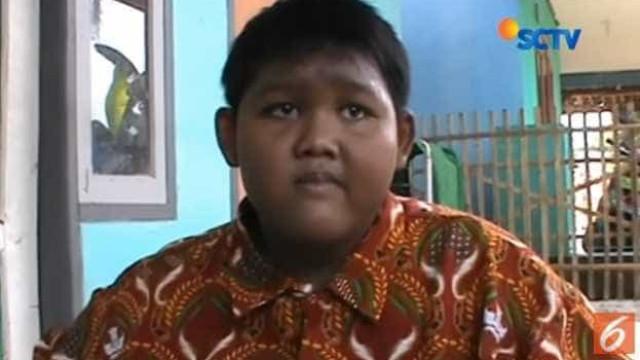 Jovem mais gordo do mundo perdeu 76 kg e já consegue andar