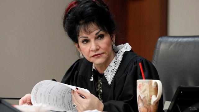"""A juíza """"heroína"""" que assinou """"sentença de morte"""" a Larry Nassar"""
